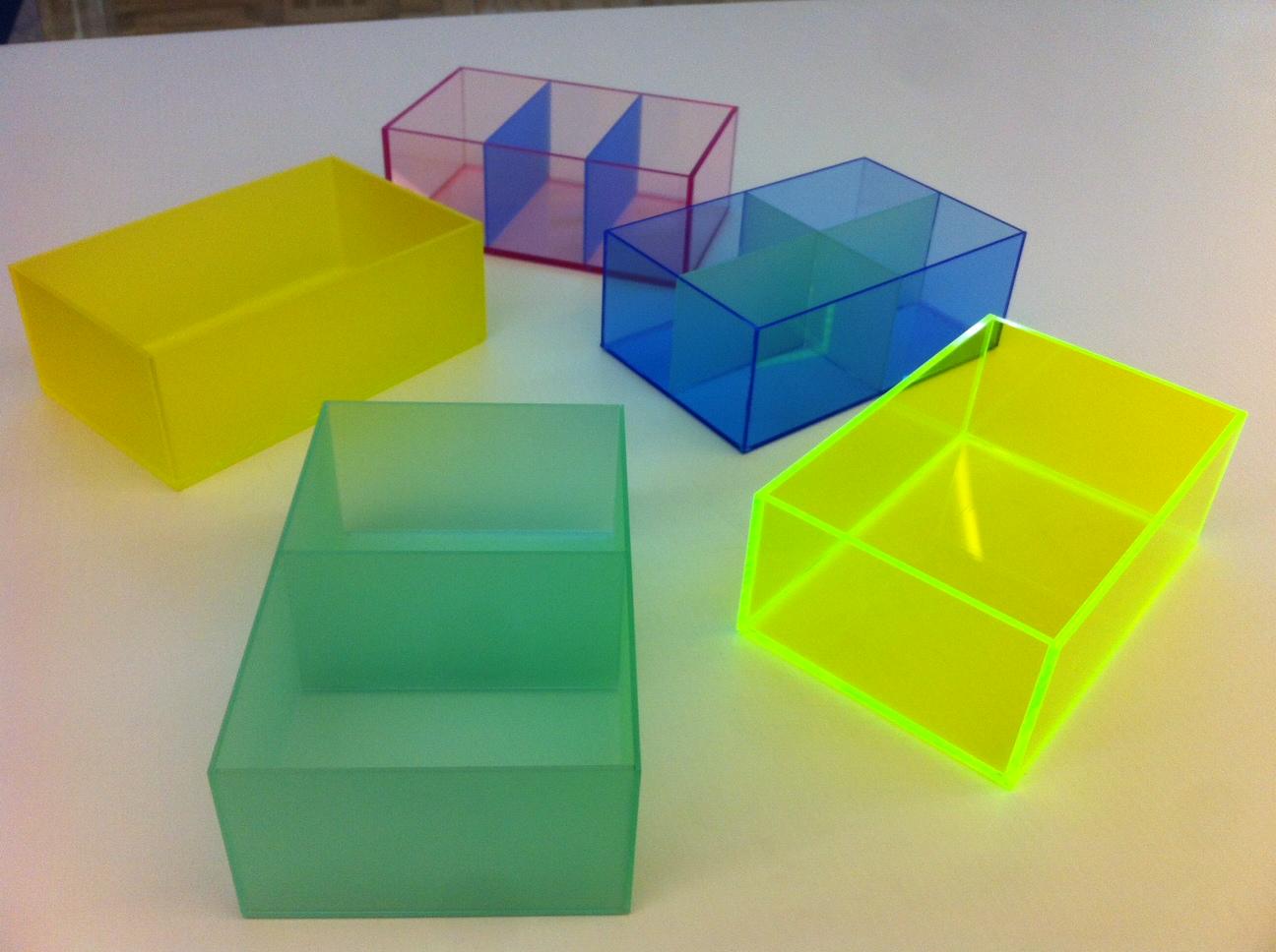 Boîtes colorées