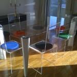 Salle à manger sur mesure en plexiglas transparent